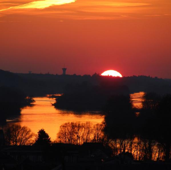 Françoise Pichot - La Loire et son coucher de soleil
